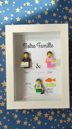 Un arbre généalogique réalisé sur mesure à partir de briques du type Lego ! Concevez en ligne votre arbre généalogique sur le site des Portraits de Felie #Lego #LesPortraitsdeFelie #cadeau #fetedesmeres #fetedesperes #original #personnalisable #briques #surmesure Cameo, Creations, Scrapbooking, Decoration, Family Tree Frame, Family Portraits, Bricks, Father's Day, Scrapbooks