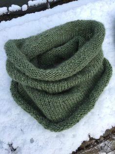A Collar for Sandra – gbcreates Shawl Patterns, Knitting Patterns Free, Free Knitting, Knitting Ideas, Mittens Pattern, Crochet Pattern, Knit Crochet, Chevron Scarves, Loom Knitting Projects