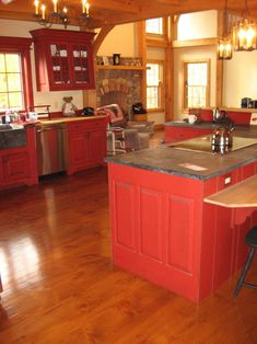red kitchen cabinets and Wide Plank Pine Floors (pine kitchen cupboards) Red Kitchen Walls, Update Kitchen Cabinets, Kitchen Dinning Room, Painting Kitchen Cabinets, Kitchen Cupboards, Kitchen Island, White Farmhouse Kitchens, Cottage Kitchens, Farmhouse Kitchen Decor