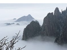 Misty Mountains. (Photo on fStop by Kevin Kelly) #photography #hobbit #middleearth