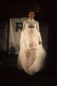 "Alexander McQueen A/W 1994: ""Banshee"" his second runway show"