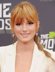 Wispy Bangs Heavy or blunt bangs can make the face look rounder. Long Fringe Hairstyles, Winter Hairstyles, Hairstyles With Bangs, Braided Hairstyles, Beach Hairstyles, Formal Hairstyles, Wedding Hairstyles, Thinner Face, Look Thinner
