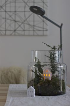 A winter landscape in a glass. LOOK WHAT I MADE . For a minimalistic and Scandinavian christmas decoration I made this winter landscape in a glass. The best thing? It can stay until after the holidays! Minimal Christmas, Natural Christmas, Noel Christmas, Simple Christmas, Winter Christmas, Christmas Crafts, Scandi Christmas, Modern Christmas, Natal Natural