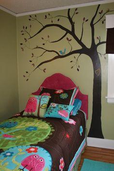 Big Girl Room....quiero este edredón y cojines para bebe!!!! @Jaime Ascencio