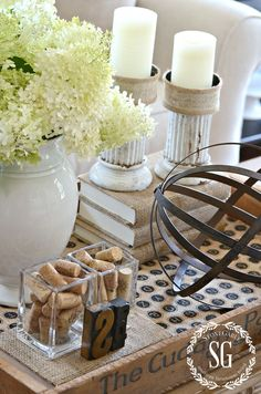HOW TO CREATE A TRANSITIONAL VIGNETTE-a vignette for many seasons- stonegableblog.com
