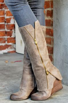 Dresswe.com SUPPLIES Glamerous Wedge Heels Knee-High Boots with Zipper Knee-high Boots