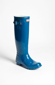OMG. I have been looking for royal blue rain boots. Someone please buy these for me??