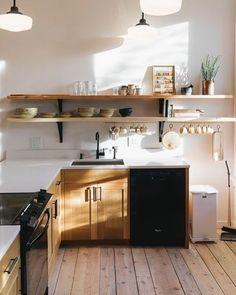Cute simple kitchen ...via Studio J. Interiors