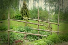 Fence made from hay poles (is that the correct word? Potager Garden, Garden Trellis, Terrace Garden, Garden Bridge, Garden Poles, Garden Fencing, Wattle Fence, Garden Care, Garden Projects