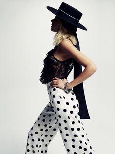 Tosca Dekker by Esperanza Moya for Telva Spain March 2015 Matador Costume, Mode Editorials, Fashion Editorials, Spanish Fashion, White Chic, White Fashion, Editorial Fashion, Fashion Design, Fashion Trends