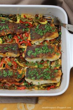 Smak Hiszpanii: Dorsz pieczony z warzywami Keto Recipes, Dinner Recipes, Keto Meal Plan, Salmon Burgers, Meal Planning, Seafood, Sandwiches, Food And Drink, Sweets