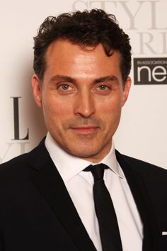 Rufus Sewell - oh those eyes