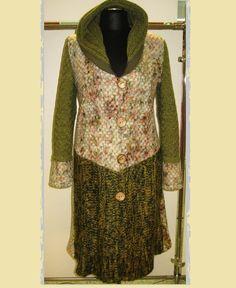 Kabát Kabát je ušitý kombinací pleteniny a úpletu. Velikost 42-44. V prodeji pouze tento kus. Sequin Skirt, Sequins, Skirts, Fashion, Moda, Fashion Styles, Skirt, Fashion Illustrations