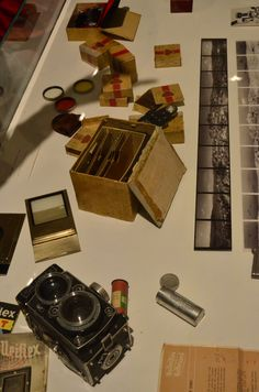 Equipamento (Rolleiflex) usado em Diamantina para representá-la em fotos das décadas de 40 e 50. Exposição, Palácio das Artes, BH, MG, Brasil.