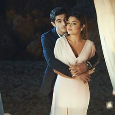 Love   this couple Romantic Couples, Cute Couples, Teen Celebrities, Celebs, Murat And Hayat Pics, Most Handsome Actors, Cute Love Stories, Cute Love Couple, Couple Photography Poses