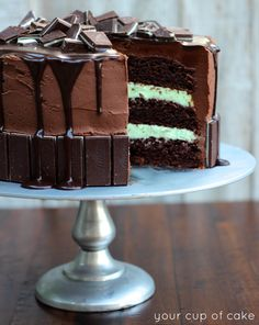 Andes Chocolate Cake – A Witch & The World. Andes Mint Cupcakes are the best homemade chocolate cupcakes topped with thick and Andes Mint Cake Recipe, Andes Mint Cupcakes, Nutella Cupcakes, Menta Chocolate, Chocolate Ganache, Delicious Chocolate, Chocolate Chips, Andes Chocolate, Food Cakes
