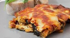 Delicious and simple recipe for eggplant parmigiana with feta and mushrooms. A blend of Mediterranean flavors in your plate. Mushroom Recipes, Vegetable Recipes, Vegetarian Recipes, Cooking Recipes, Healthy Recipes, Healthy Food, Greek Cooking, Cooking Time, Cetogenic Diet