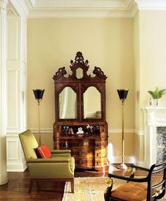 commode baroque et bar - idée de déco en bois