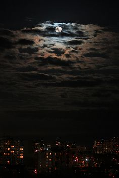 sky at night + moonlight & clouds Moon Photography, Beautiful Moon, Moon Lovers, Moon Goddess, Dark Wallpaper, Moon Art, Stars And Moon, Night Skies, Scenery