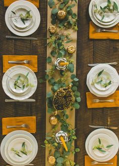 30+ DIY and Dollar Store Thanksgiving Table Decorations (Kid's table decor too!) - Simple Made Pretty