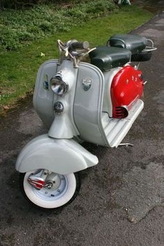 """Loving this. Cracking little LD on eBay that was restored back in the 80's… that has mellowed nicely. Sometimes a newly restored scooter can look fantastic, but to my eyes a little too """"…"""