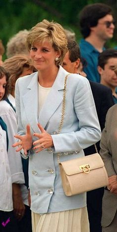 Princess Diana, Princess of Wales meets the public while on her official tour of Argentina on November 25, 1995 in Patagonia, Argentina.