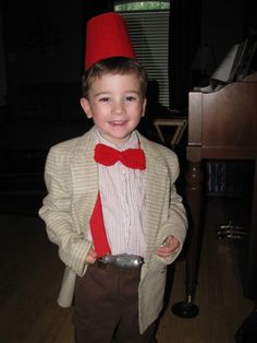 Oh my gosh this little boy is so cute!! He's gonna have fun in life if he already watches Doctor Who