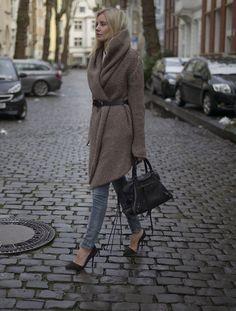 Get this look: http://lb.nu/look/7087240 More looks by Lisa Rvd: http://lb.nu/lisarvd Items in this look: Isabel Benenato, Balenciaga, Zara, Deyk #06022015