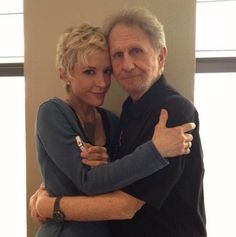 Space Frontier Kira and Odo. Deep Space Nine actors. Star Trek Captains, Star Trek Tv, Star Trek Movies, Star Trek Ships, Star Wars, Star Trek Enterprise, Star Trek Voyager, Nana Visitor, Deep Space 9