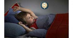 Dit geruststellende Jake nachtlampje van Philips Disney heeft een mooie print van de favoriete held van uw kind.