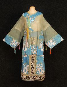Silk tunic dress (1919)