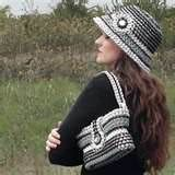 can tab purse and hat