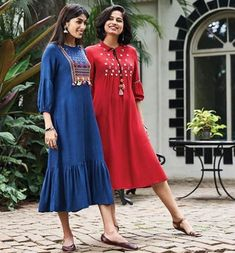 Kurta Designs Women, Salwar Designs, Kurti Designs Party Wear, Blouse Designs, Stylish Kurtis Design, Kurta Patterns, Casual Dresses, Fashion Dresses, Pakistani Outfits