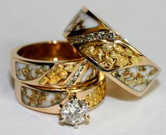 Alaskan wedding ring set that has gold set in quartz and gold nuggets