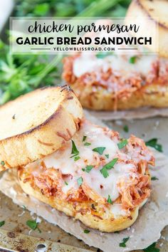 Shredded Chicken Parmesan Sandwich has tender chicken coated in a quick,homemadetomato sauce sandwiched between two slices of crispy, cheesy Texas Toast. Chicken Parmesan Sandwich Recipe, Shredded Chicken Sandwiches, Shredded Chicken Recipes, Healthy Sandwiches, Healthy Chicken Recipes, Pizza Recipes, Dinner Recipes, Cooking Recipes, Toast Chicken Recipe