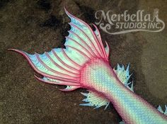 Iridescent tail.Love, minus the red Realistic Mermaid Tails, Mermaid Tails For Kids, Mermaid Fin, Mermaid Swimming, Mermaid Tale, The Little Mermaid, Pink Mermaid Tail, Tattoo Mermaid, Mermaid Room
