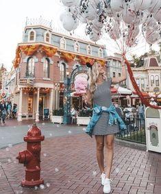 Disney shared by on We Heart It Walt Disney, Disney Cute, Disney Day, Disney Girls, Disney Style, Disney Magic, Disney World Fotos, Disney World Pictures, Disneyland Photos