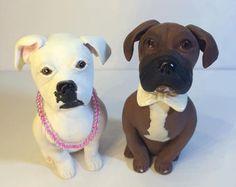 Artículos similares a Arcilla 2 perro gato boda pastel Topper escultura Boxer Labrador Retriever gato Animal novia novio mascota por encargo en Etsy
