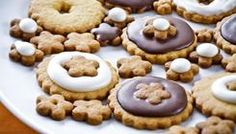 Przepisy - Nasze Przepisy | Dr.Oetker Christmas Biscuits, Cookies, Food, Crack Crackers, Christmas Cookies, Biscuits, Essen, Meals, Cookie Recipes