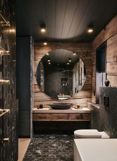 Hytte med anneks Norefjelltoppen | wood arkitektur+design Rustic Home Design, Dream Home Design, Modern House Design, Home Interior Design, Cabin Bathrooms, Rustic Bathrooms, Rustic Bathroom Designs, Dream House Interior, Bathroom Design Luxury
