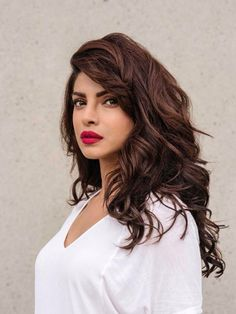 Filmography & biography of Priyanka Chopra Jonas who started her career with the movie Thamizhan. Check out the movie list, birth date, latest news, videos & photos, trivia gossips and upcoming film projects of actor Priyanka Chopra Jonas on BookMyShow. Medium Length Hairstyles, Long Hairstyles, Indian Hairstyles, Priyanka Chopra Hair, Hair And Beauty, Haircut Styles, Alia Bhatt, Deepika Padukone, Shraddha Kapoor