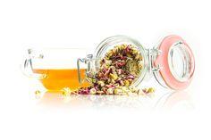 TeaTag blend: Chamomile. Nooit gelust, maar nu...verslaafd. Een heerlijke blend met bloemetjes en blaadjes.