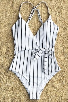 Cupshe Stay Young Stripe One-piece Swimsuit #Swimsuits #swimsuitsonepiece