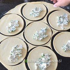 """10.3b Beğenme, 220 Yorum - Instagram'da Bera Tatlı Dünyası (@bera.tatlidunyasi): """"Hayırlı akşamlar sevgili arkadaşlarr🌿😊 Videom İçin bir beğeni bir yorum rica etsem 🤗😇 Haftasonu…"""" Decorative Plates, Pasta, Food And Drink, Tableware, Instagram, Bakken, Dinnerware, Dishes, Noodles"""