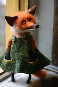 Needle Felting – Needle Felting Tutorials and felt crafts Felt Fox, Wool Felt, Needle Felted Animals, Felt Animals, Wet Felting, Needle Felting, Wooly Bully, Felt Fairy, Felt Mouse