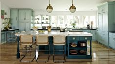 10 Fabulous Useful Ideas: Kitchen Remodel With Island Rustic kitchen remodel on a budget.Oak Kitchen Remodel Back Splashes kitchen remodel products.Vintage Kitchen Remodel Home. Family Kitchen, New Kitchen, Kitchen Interior, Vintage Kitchen, Kitchen Decor, Stylish Kitchen, Kitchen Ideas, Brass Kitchen, Island Kitchen