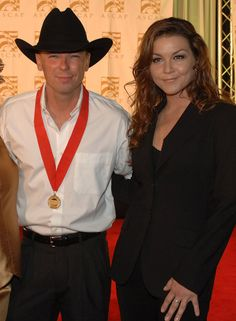 KENNY CHESNEY WITH GRETCHEN WILSON. Saw them together in the ATL. great performance.