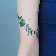 Green botanical tattoo with fern and monstera and palm Mini Tattoos, Flower Tattoos, Body Art Tattoos, Leaf Tattoos, Pretty Tattoos, Cool Tattoos, Tatoos, Arm Tattoo, Sleeve Tattoos