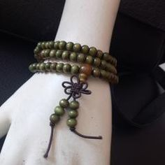 online shopping for new arrivals fashion accessories like necklace, bags, bangles, purse for women. latest hand made products now available at Zarood.