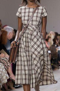 Michael Kors at New York Fashion Week Spring 2015 Michael Kors Spring 2015 New York Fashion, Runway Fashion, Trendy Fashion, Fashion Models, Spring Fashion, Style Fashion, Celebrities Fashion, Petite Fashion, Curvy Fashion